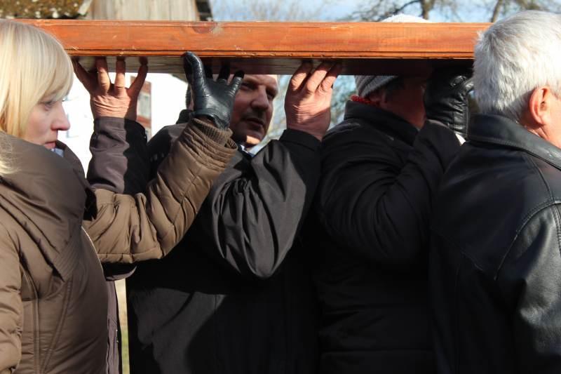 Droga Krzyżowa ulicami Sawina 2015.03.22